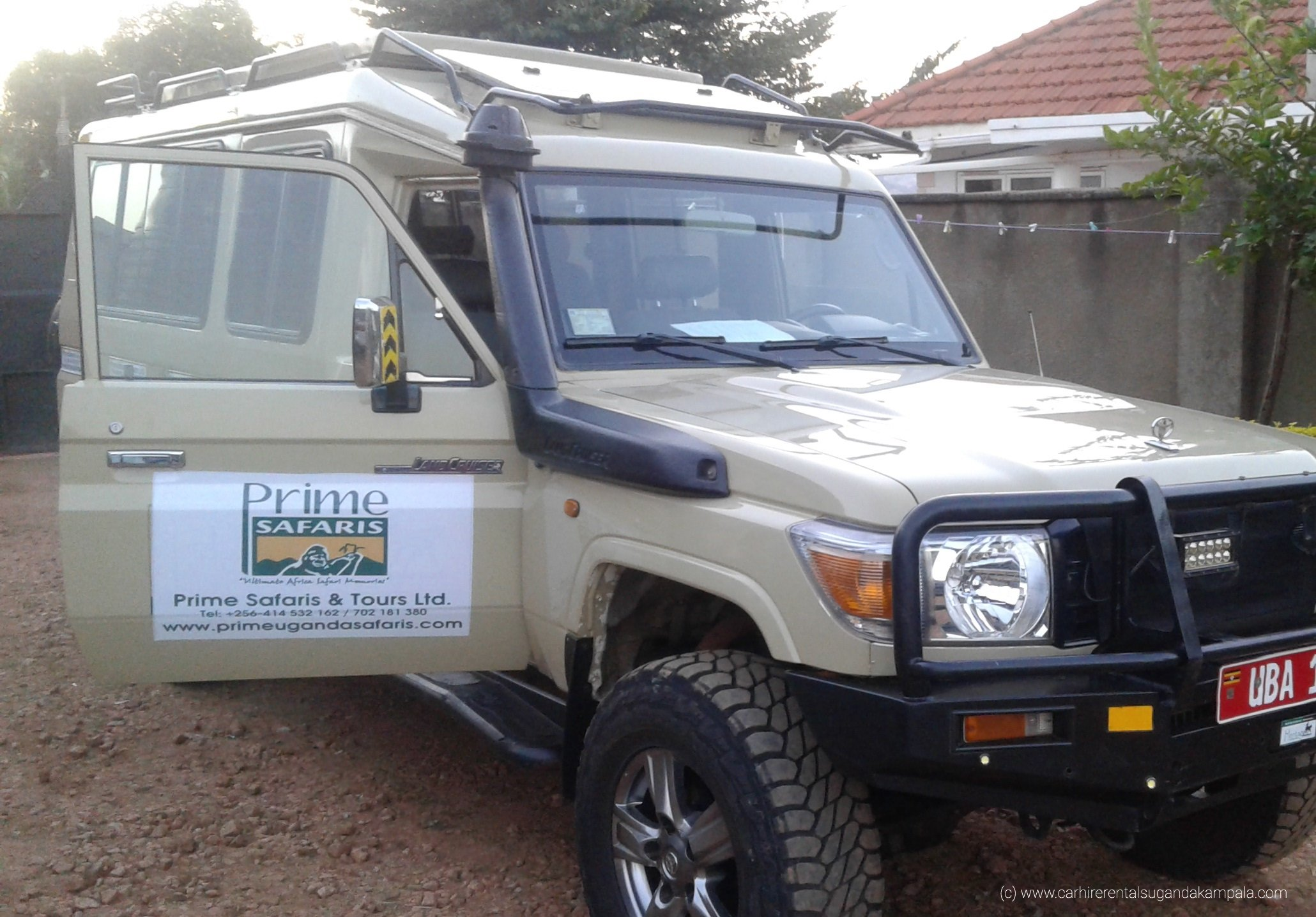 4x4 safari cars for hire in Uganda